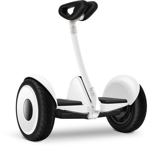 xe điện cân bằng mini robot trắng được phân phối tại xecongnghehanoi.com